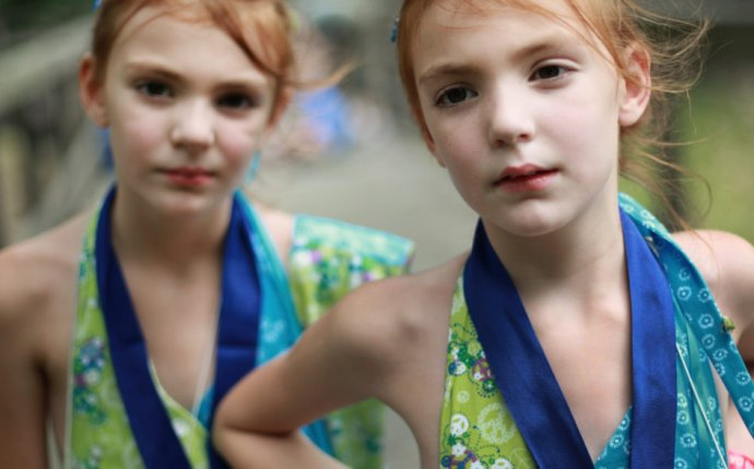 How Twin Culture Challenges Our Notions of Self - SAPIENS